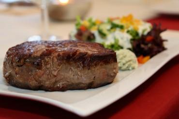 Steak auf dem Teller